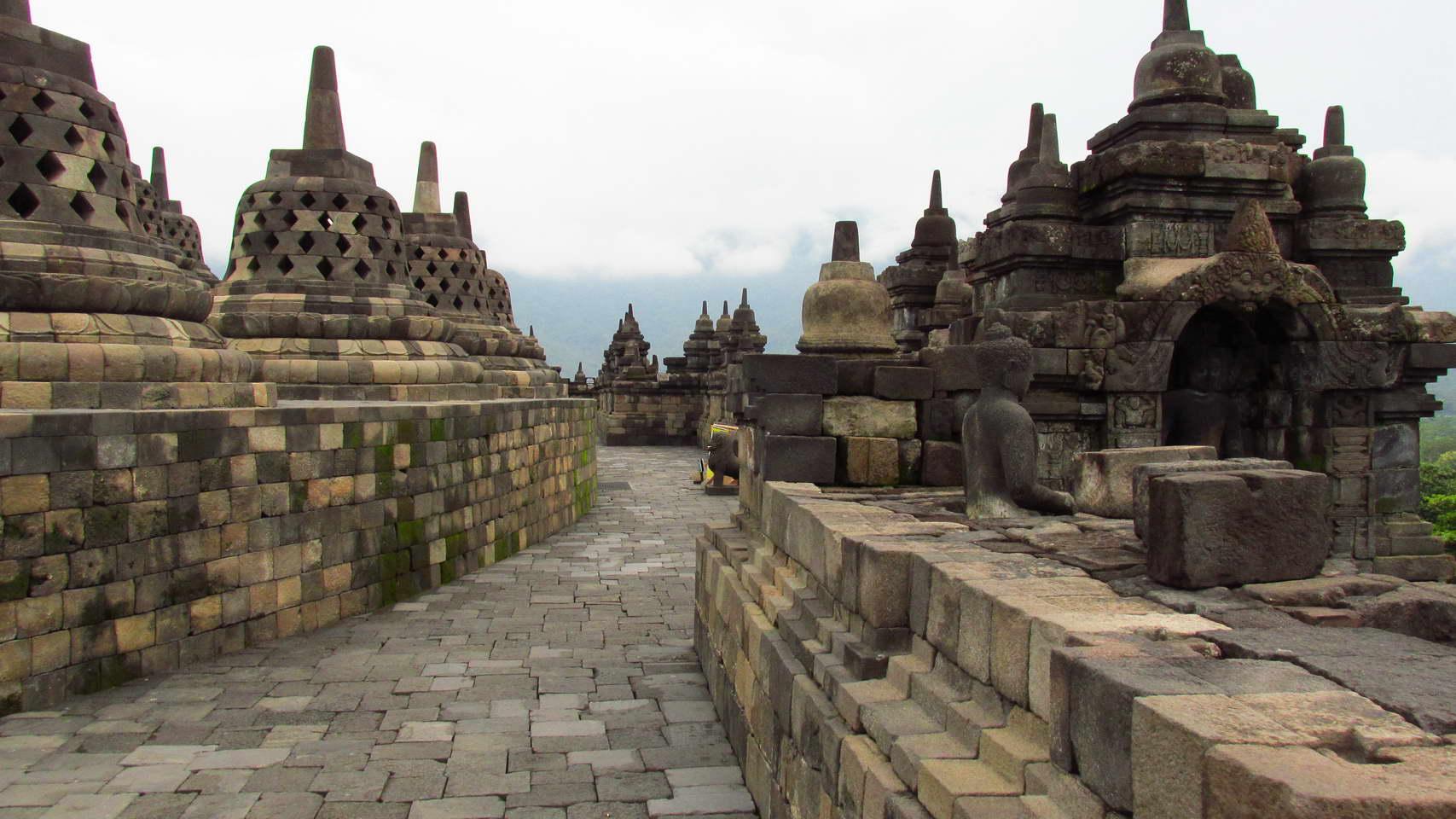 Borobudur_2.jpg