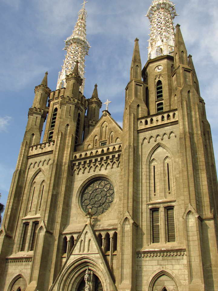 Jakarta_Cathedral_0.jpg