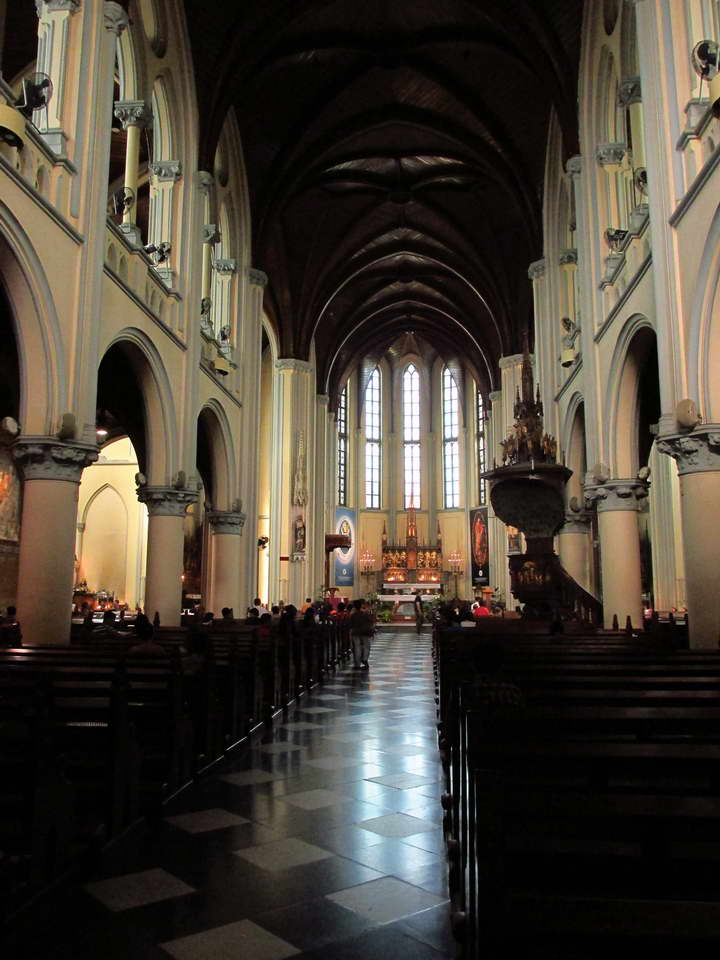 Jakarta_Cathedral_1.jpg