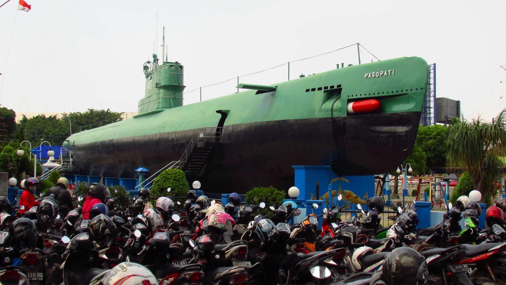 Submarine_2.jpg